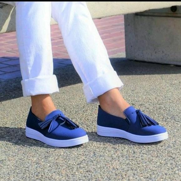 95c294e75801 Women s Slip On Fashion Sneakers